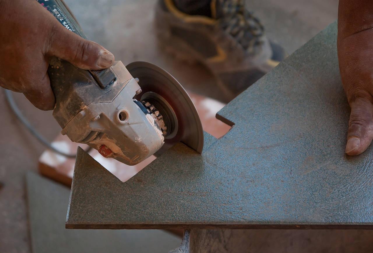 Couper des carreaux de carrelage