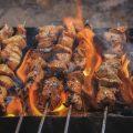 Comment nettoyer la grille du barbecue